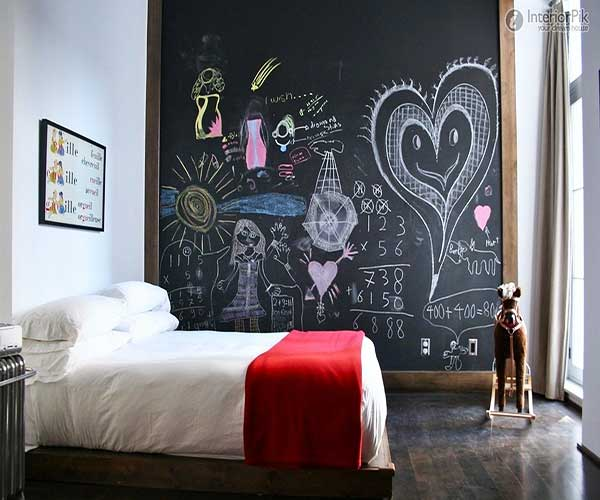Small-Bedroom-Wall-Color-Ideas-for-Kids-with-Extra-Large-Blackboard